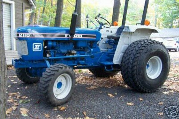 Ford 2110 Tractor : Ford tractor pictures