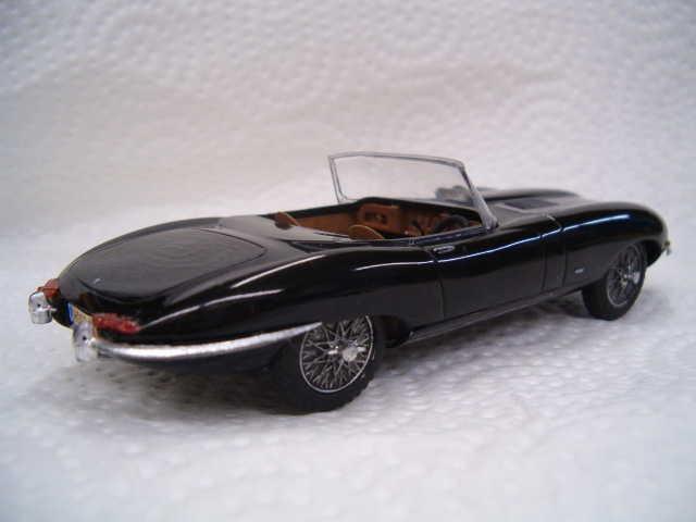 Le défi est relevé, une Jaguar Type E 1/32...terminé...finito!!!! 5-vi