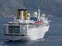 COSTA ALLEGRA Santorini 20110413 036