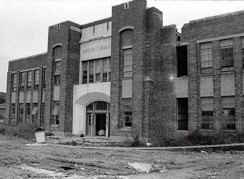 OLD HUNTSVILLE HIGH SCHOOL BEING DEMOLISHED IN 1994