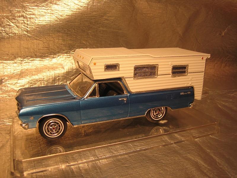 AMT 1965 Chevrolet El Camino w/camper