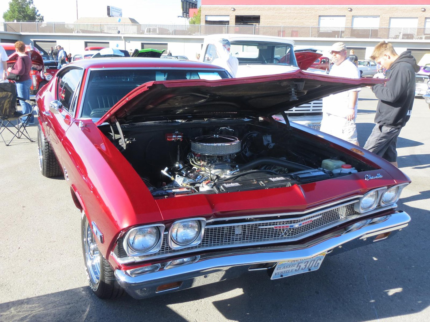 Goldstroms Classic Car Show