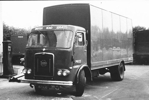 817UJO   Seddon   no. MG22 of Chesham depot