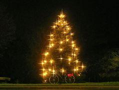 Radelnder Weihnachtsbaum :-)