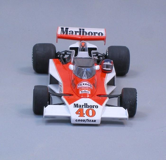 McLarenM23Villenueve_h-vi.jpg