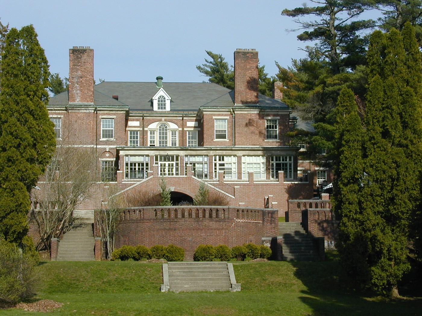 Hyde School Mansion