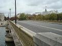 Un pont traversant La Seine.