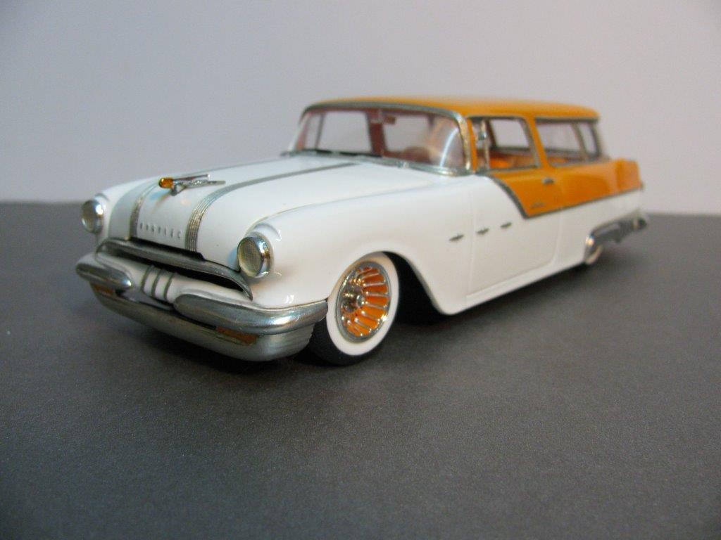La vitrine de JJ Pontiac1955SW83-vi