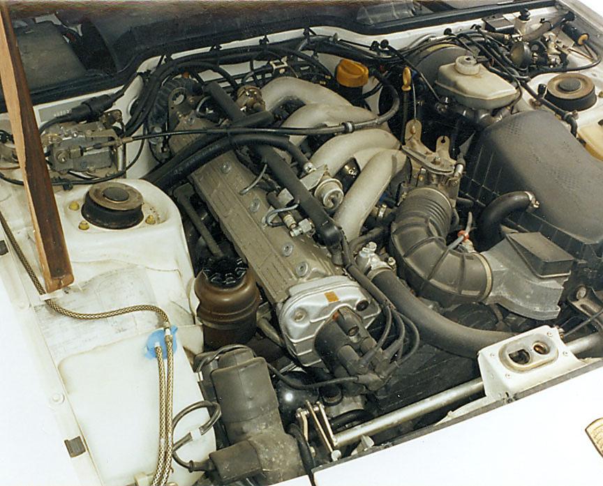 87 Porsche 944 enginescan2