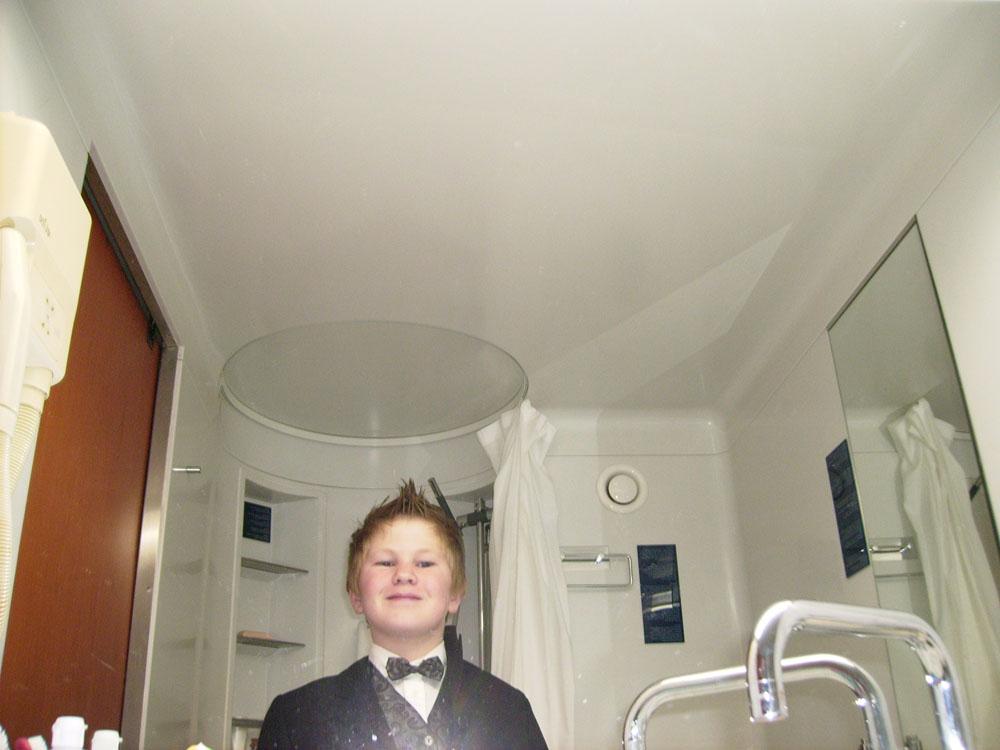 Cabin 7084 - Bathroom
