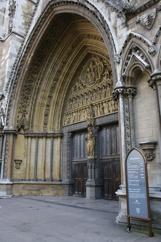 http://images19.fotki.com/v33/photos/2/243162/7978420/London037-vi.jpg