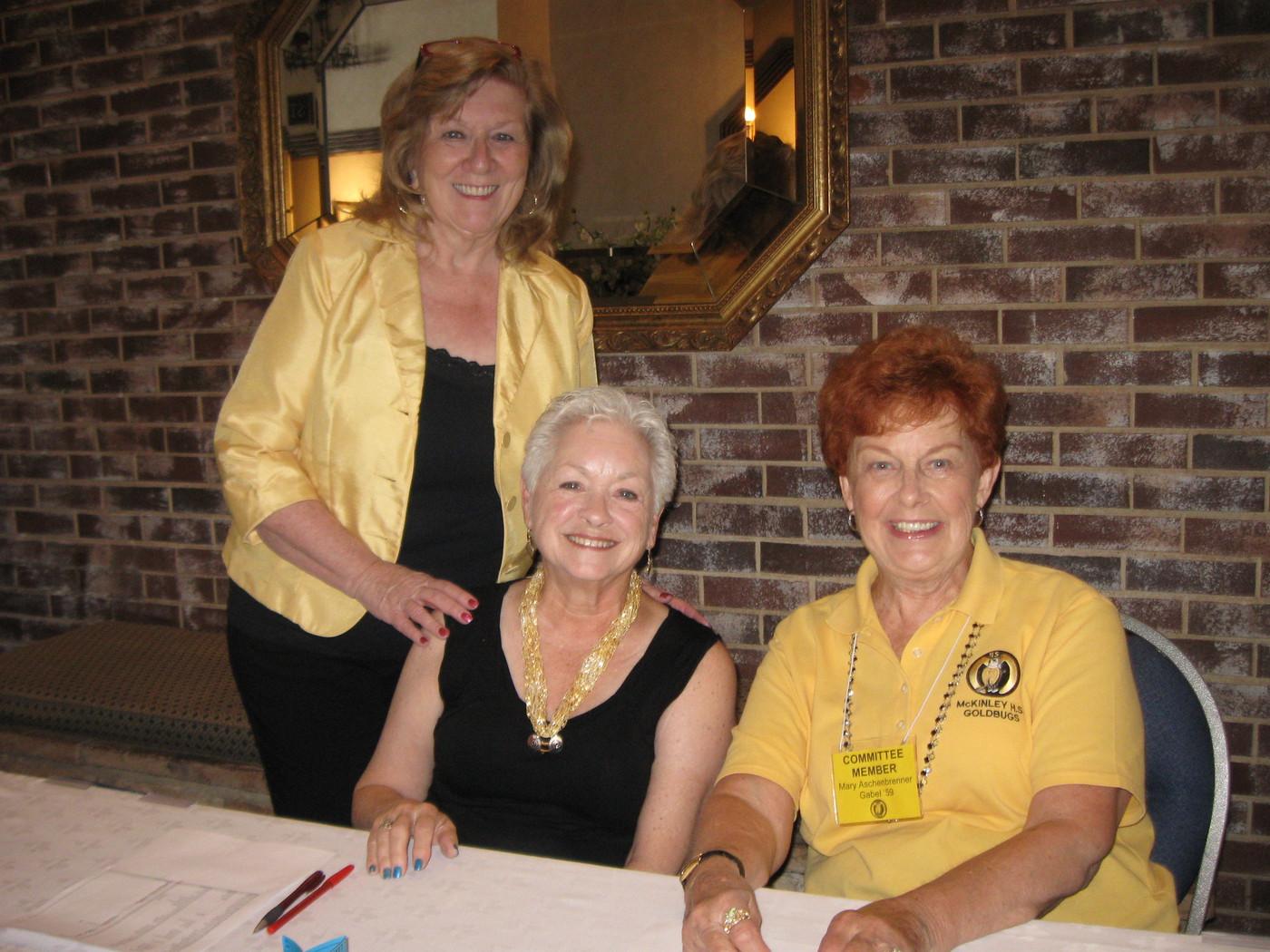 Pat Wiseman, Linda Simpson, Mary Gabel