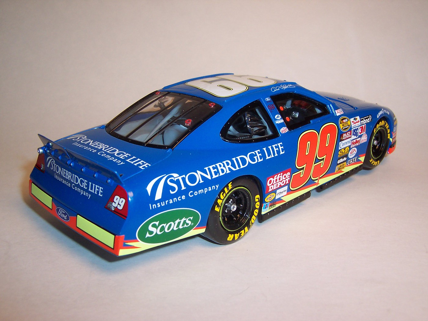 2005 Carl Edwards Stonebridge Life Ford Taurus 2