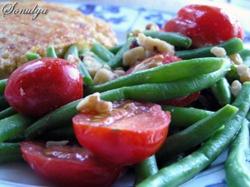 Зеленая Фасоль с Помидорами и Грецкими Орехами Рецепт