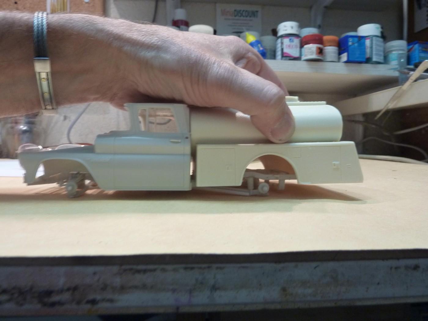 Chevy pickup 60 citerne texaco terminé - Page 2 Photo10-vi