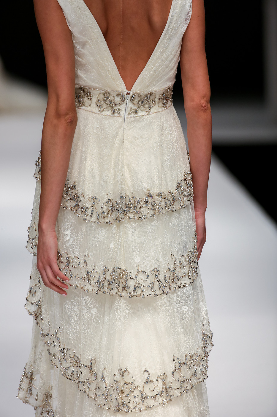 Badgley_Mischka_FW15_654-vi.jpg