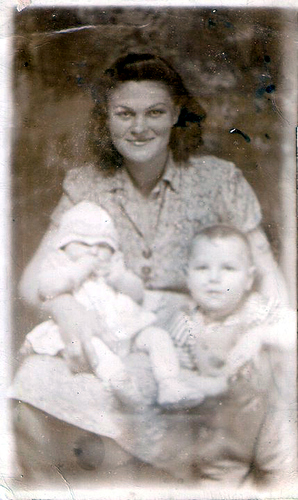 40-Mamaw Aree, Aunt Pat and Uncle Del