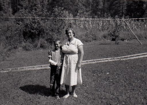 15-Edna Marie (ANDERSON) Foust (1904-1970), and grandson, Ray Pergram