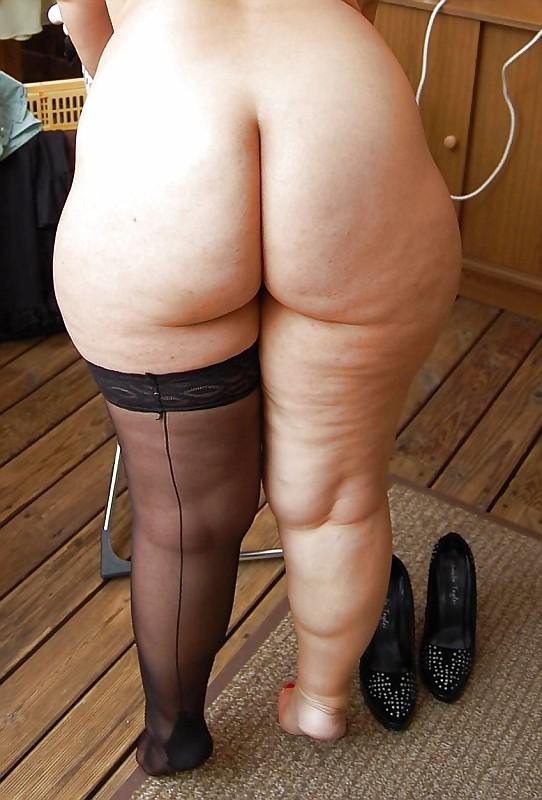 Порно фото больших целюлитных жоп