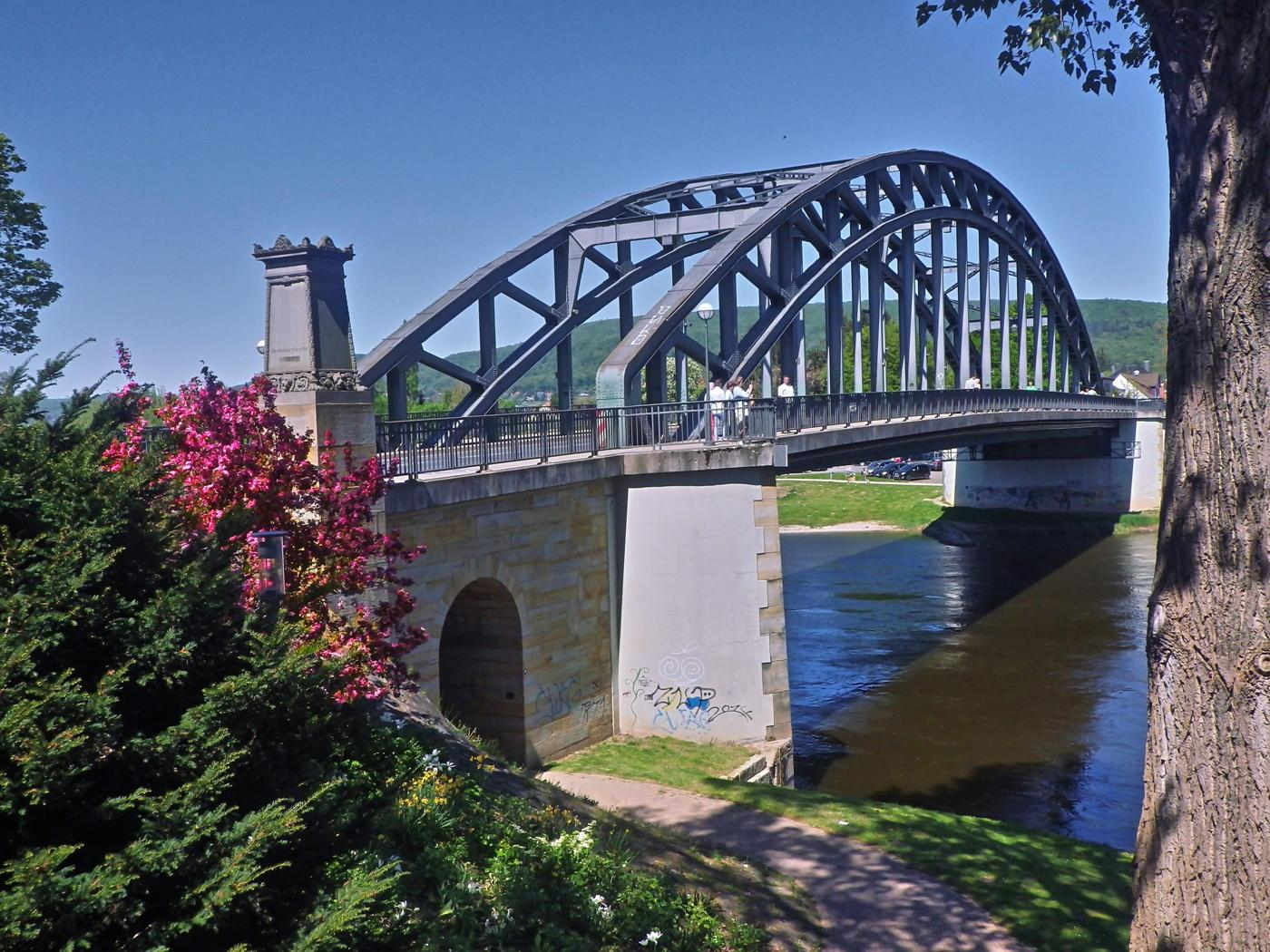 Hindenburgbrücke über die Weser