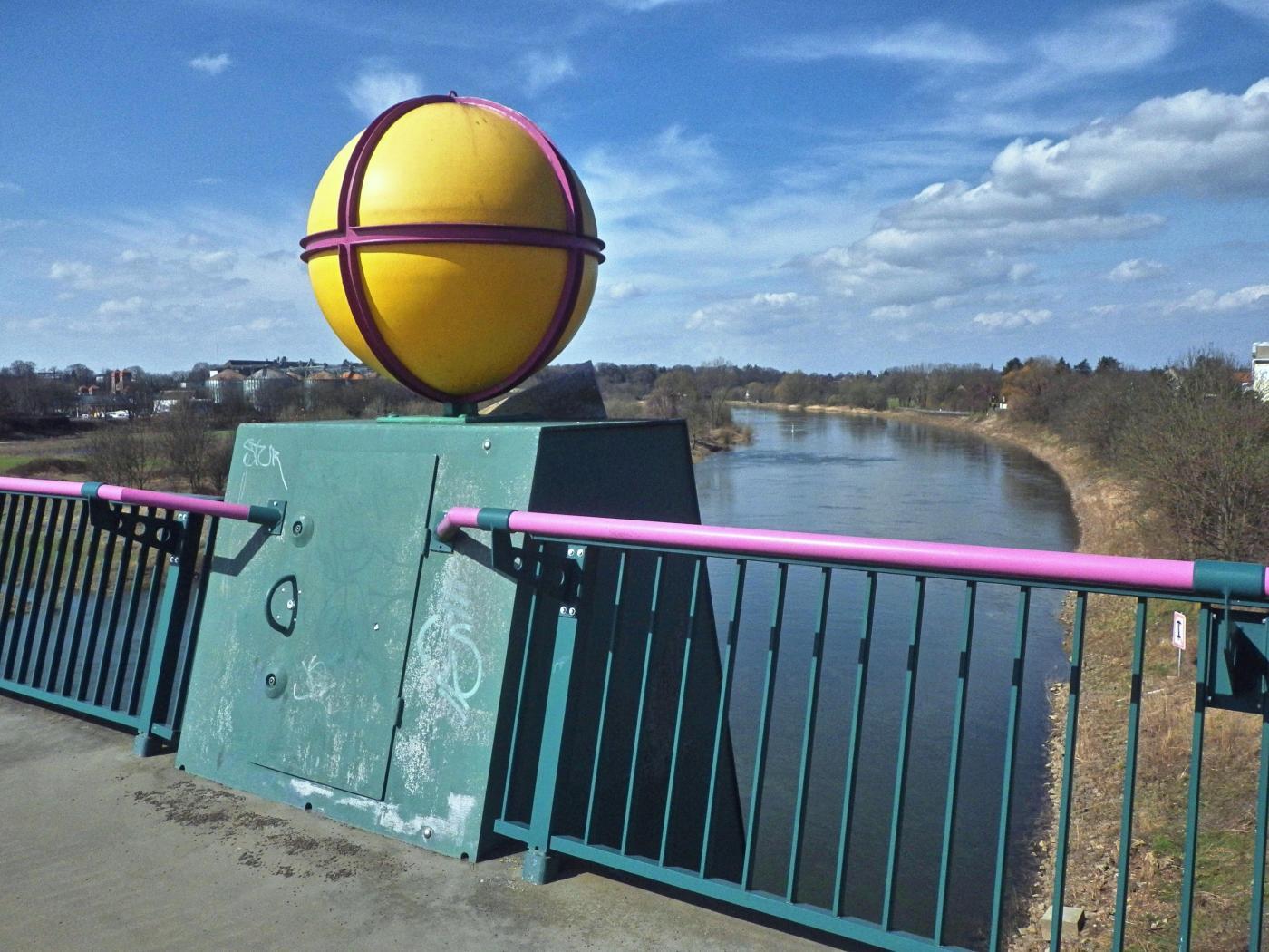 Blick vom Kanal auf die Weser