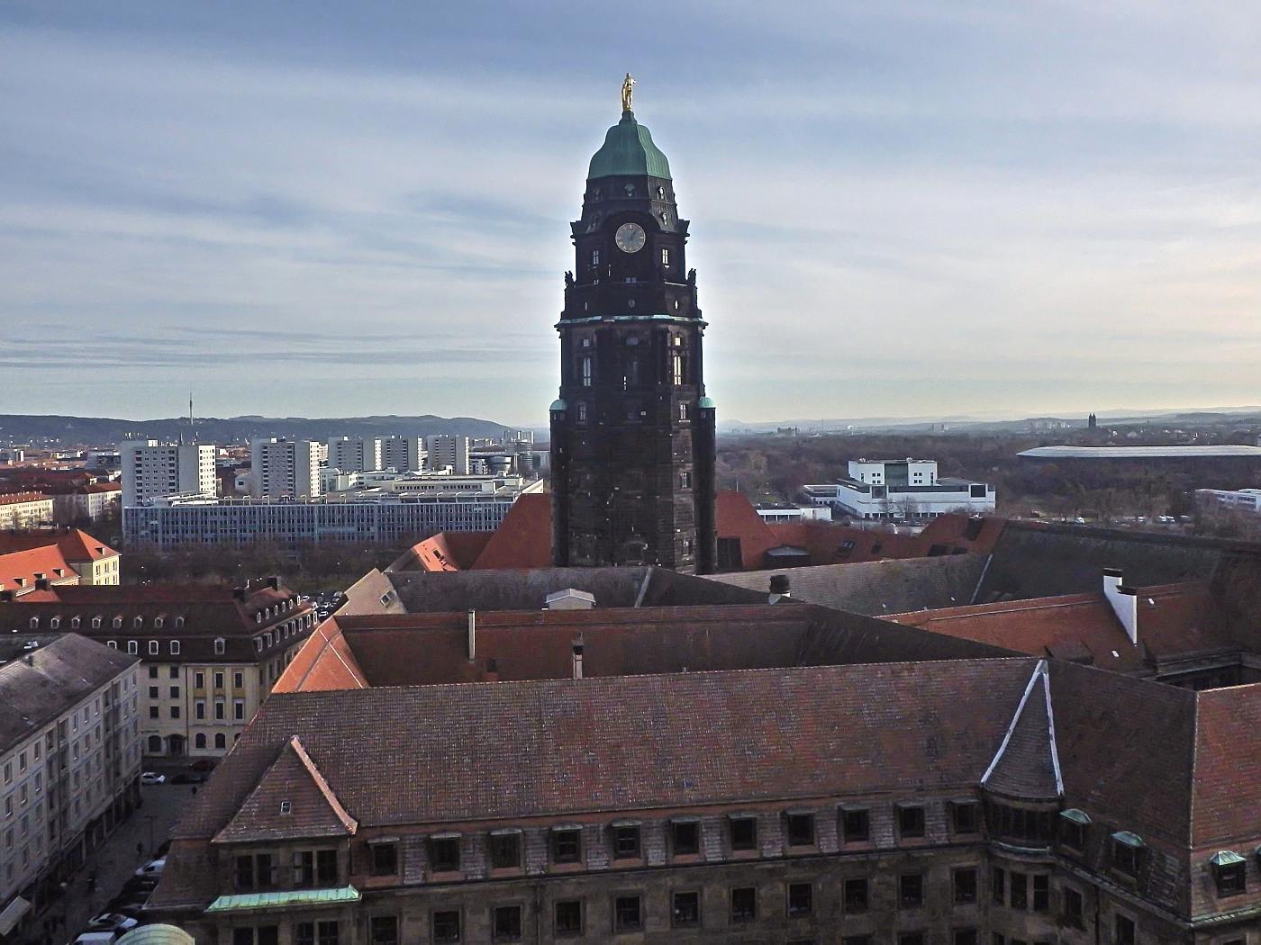Blick von der Kreuzkirche zum Rathausturm