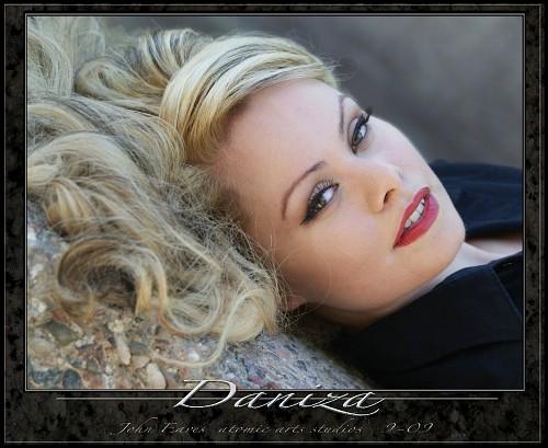 http://images19.fotki.com/v286/photos/8/1619558/8369329/daniza3-vi.jpg