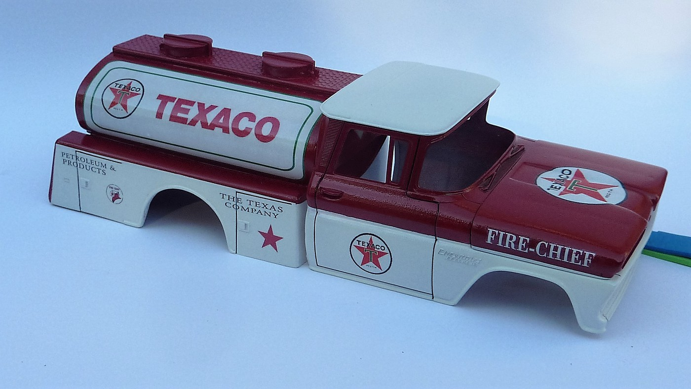 Chevy pickup 60 citerne texaco terminé - Page 2 Photo6-vi