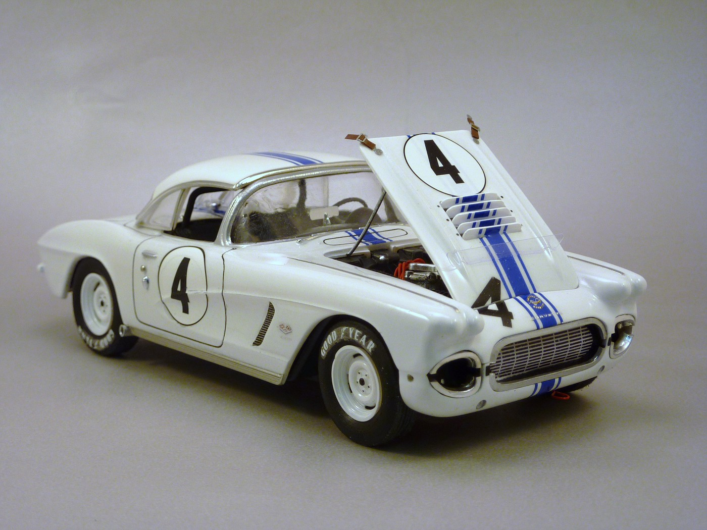 Quelques voitures du Championnat Trans Am des années 60 ,70,80,90 et divers SCCA - Page 2 TosfinalesCorvetteSebring62003-vi