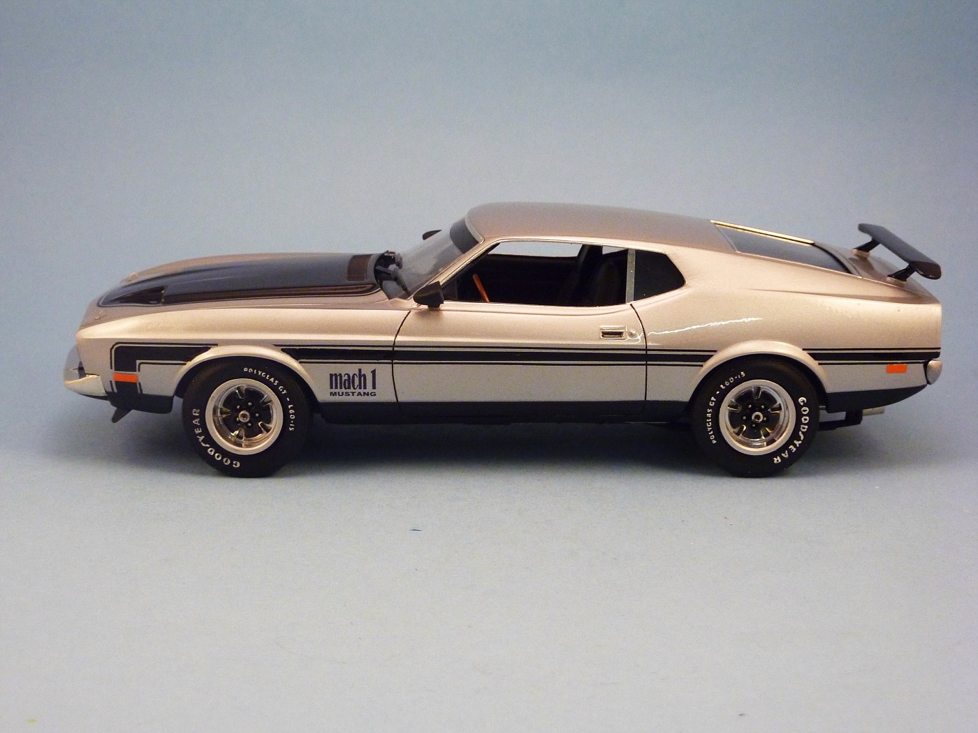 Restauration Mustang Mach 1 1971 terminée OtosfinalesMustangMach11971003-vi