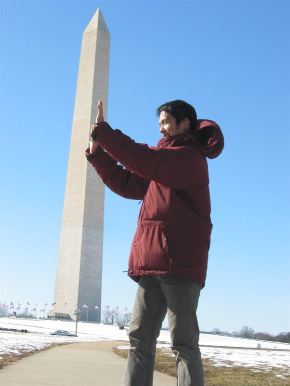 IMG 0052  -  Soji Holding Up the Washington Monument