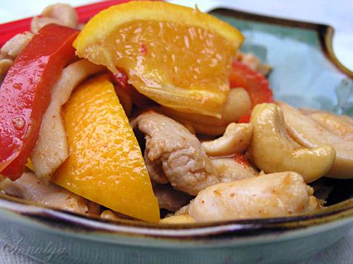 А мы вчера ужинали опять Тайским блюдом - Курица с Орешками Кешью :