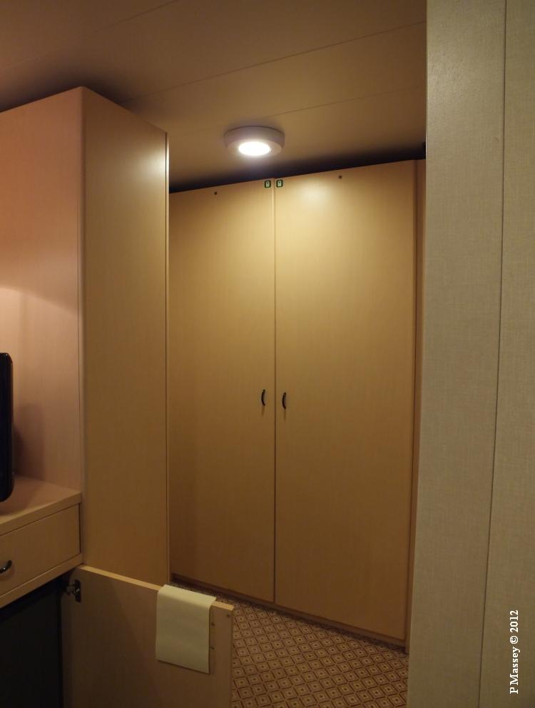 QUEEN VICTORIA Cabin 4012 18-10-2012 12-06-21