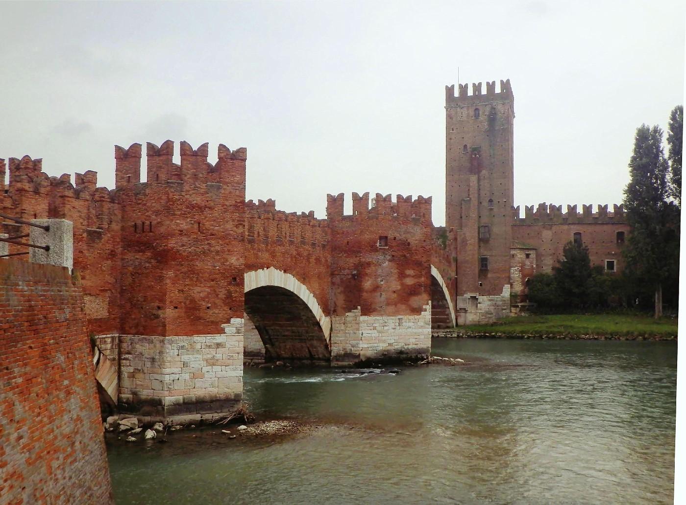 Castel Vecchio Bridge